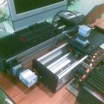 Servopohony Reliance CoolMuscle na lineárních aktuátorech HIWIN