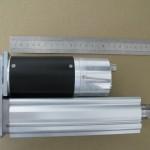 Lineární pohon s pístnicí SMC řada LEY se servopohonem SPAT